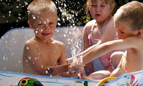 4 pautas para gestionar con éxito la relación de nuestros hijos con sus primos y amiguitos en verano